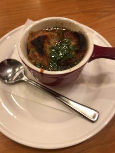 ココス玉城店オニオングラタンスープ