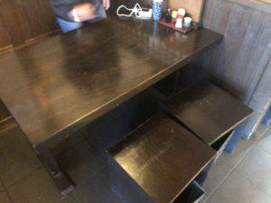 花紋 テーブル席
