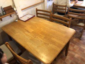 やまちゃんち テーブル席1
