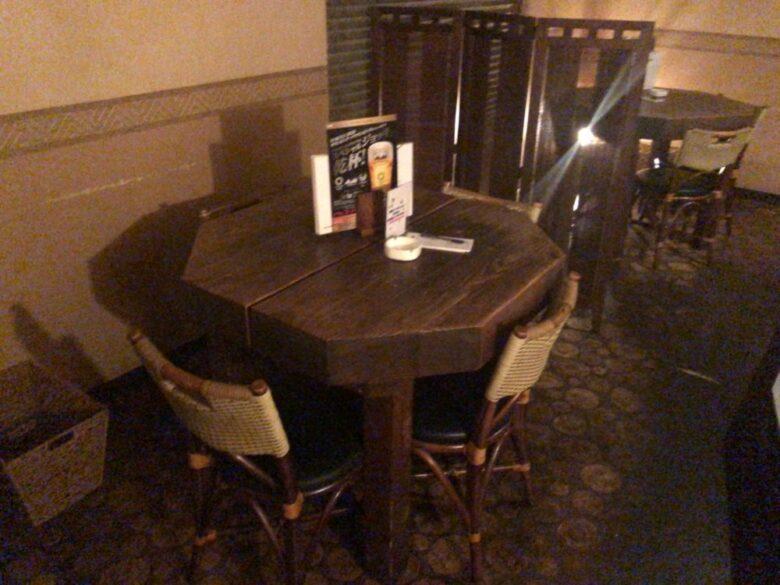 モンテゴベイ テーブル席