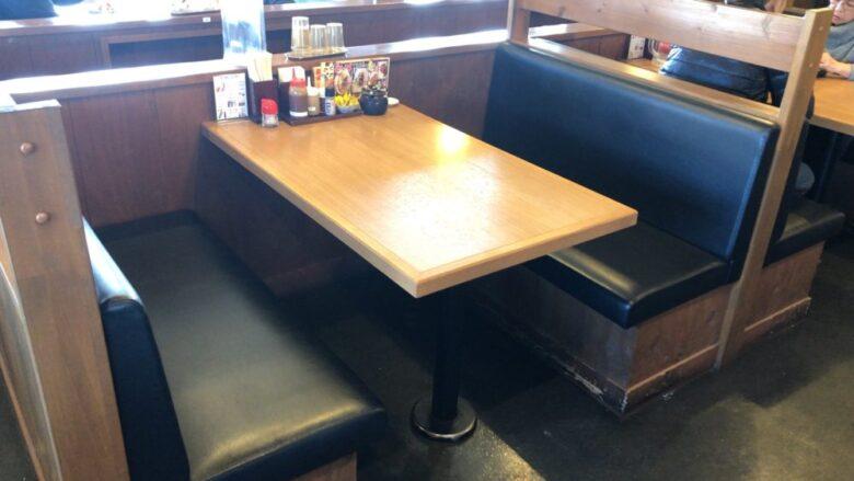かつQ テーブル席