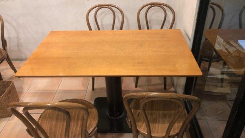 ドルチェヴィータ テーブル席