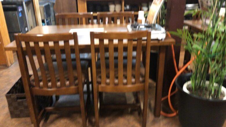 旨家どんぐり テーブル席